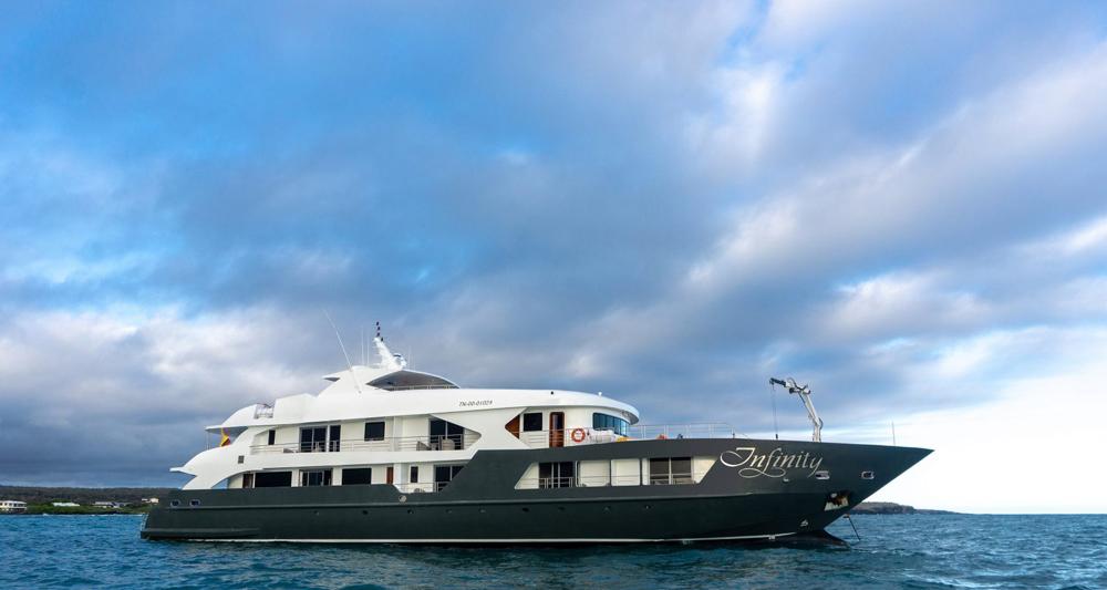 Infinity yacht charter